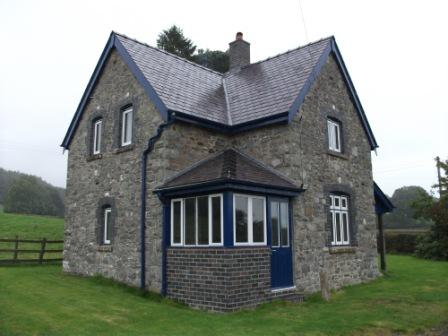 LET SUBJECT TO CONTRACT: DOLAU COTTAGE, LLANYRE, LLANDRINDOD WELLS, POWYS LD1 6EY